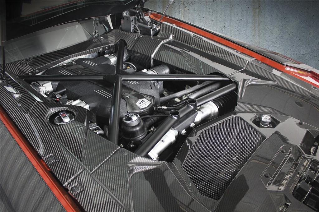 极致黑魂-MANSORY迈莎锐的兰博基尼LP700-4碳纤套件赏析