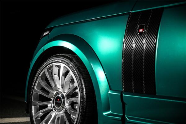 祖母绿车体与黑线碳纤